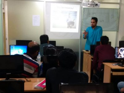 Talking with SEO students of DevesTeam.